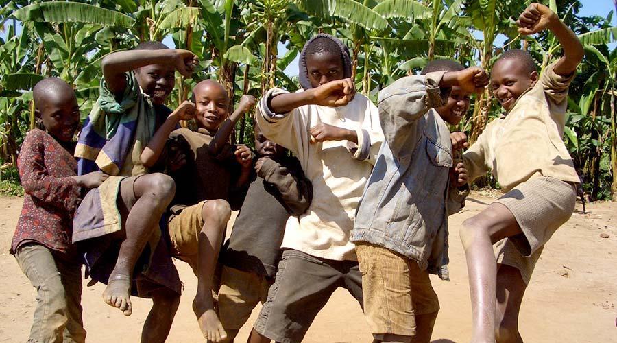 """Nel 2011 nasce il Centro di Salute di Muyanza e l'Orfanotrofio """"San Giuseppe"""" in Ruanda."""